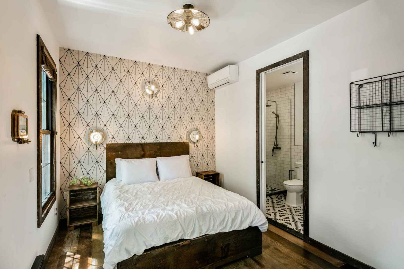 Urban Cowboy Brooklyn Private Townhouse Queen Bedroom One